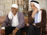 2 gamle som holdt stand i Rachaya under krigen  Foto Ramiz Dalli